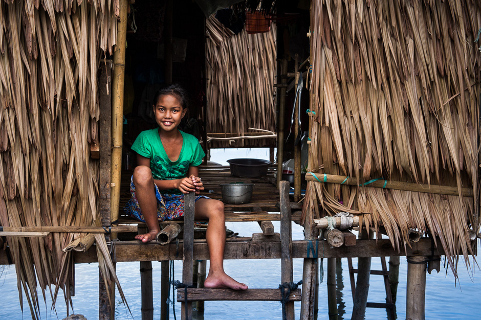 A young Badjao girl in her home.