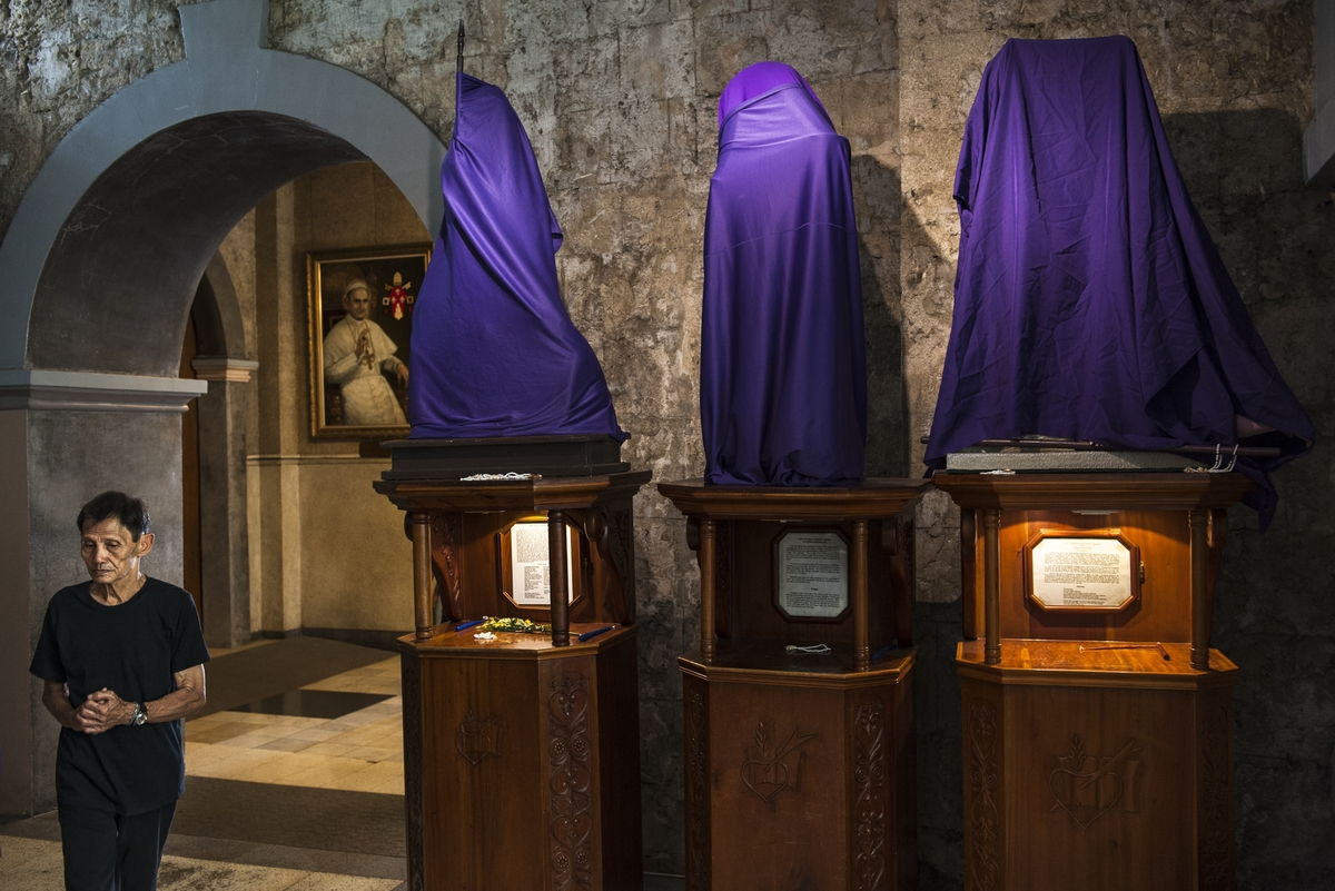 Holy Thursday at the Santo Nino Basilica